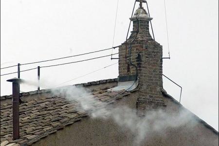 Perchè quando si elegge il Papa si fa la fumata bianca?