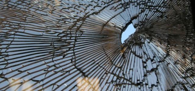 Perchè si dice che rompere uno specchio porti sfortuna?