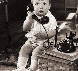 """Perché al telefono si dice """"pronto""""?"""